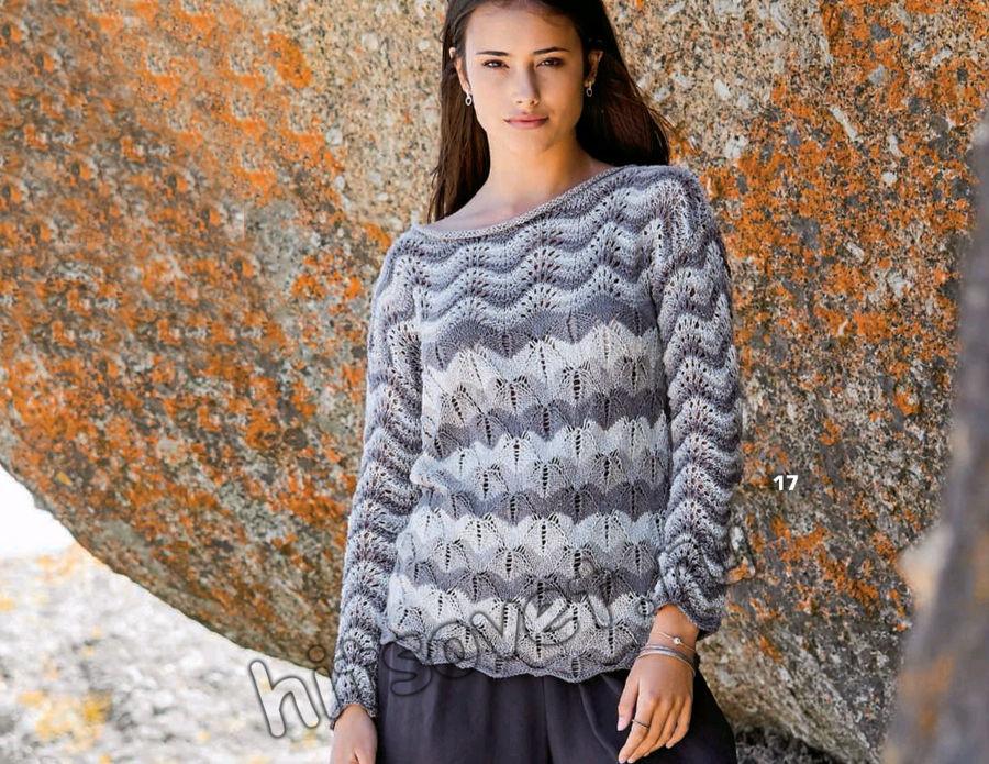 Вязание пуловера в серых тонах волнистым узором