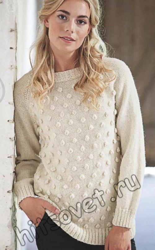 Белый вязаный пуловер с узором из узелков, фото.