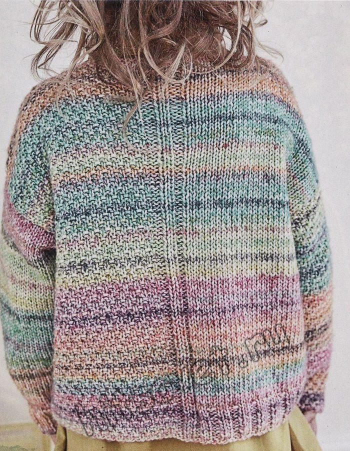 Вязаный разноцветный пуловер для девочки, фото 2.