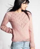 Вязаный пуловер с красивой треугольной кокеткой