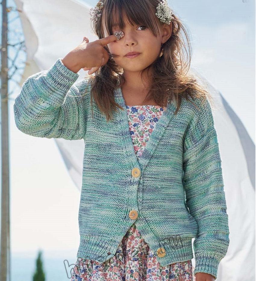 Стильный кардиган для девочки из секционной пряжи, фото.