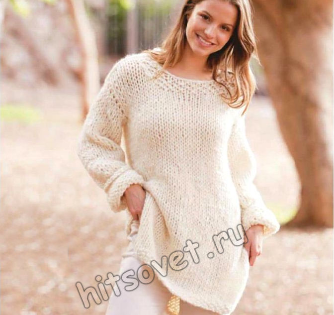 Вязаный пуловер оверсайз с боковыми разрезами, фото.